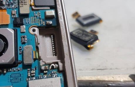 componenti interni smartphone