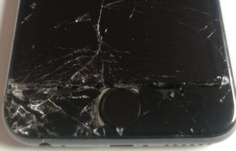 Display iPhone rotto