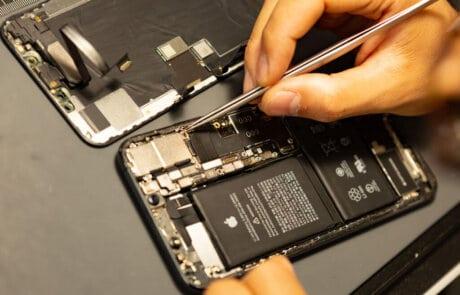 riparazione smartphone iphone